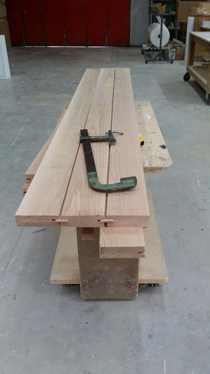 Doghe in Rovere massello per realizzazione tavolo. Solid oak slats for table creation.