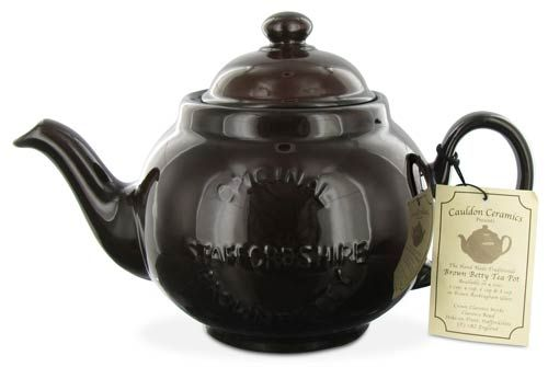When it comes to the classic, everyday English teapot, the Brown Betty is pretty much the gold standard. @jerrigailcreates