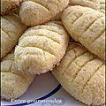 Voici des gâteaux économiques une recette délicieuse qui vient logiquement si je me trompe pas du livre de Samira ils...