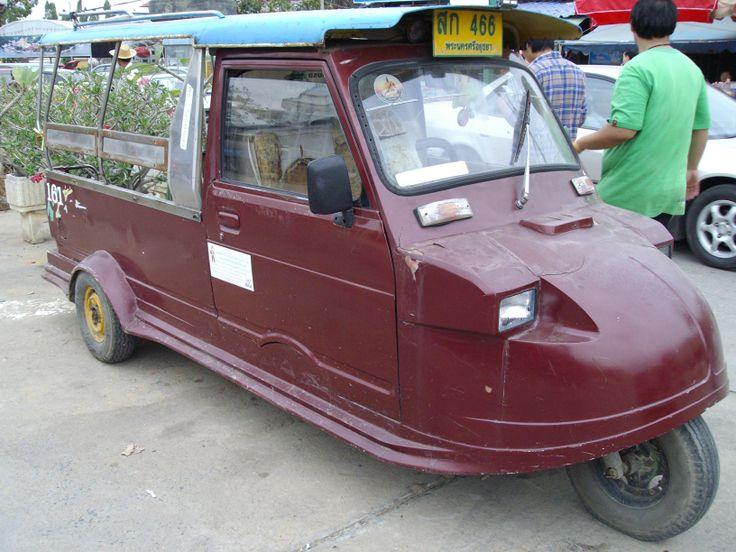 Maroon tuk-tuk
