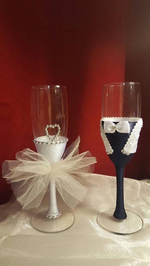Guarda questo articolo nel mio negozio Etsy https://www.etsy.com/it/listing/477116901/wedding-detailsdifferent-champagne-flute