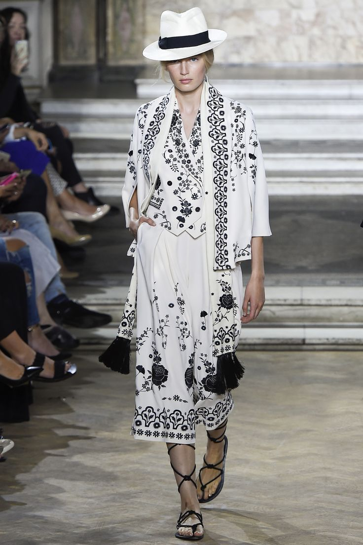 Temperley London Spring 2016 Ready-to-Wear: