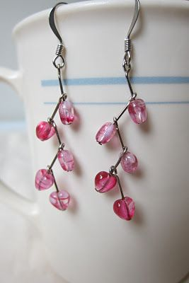 Oksana Plus Hobbies: DIY: Valentine's Earrings (Мастер-класс: Серьги-подвески из сердечек)