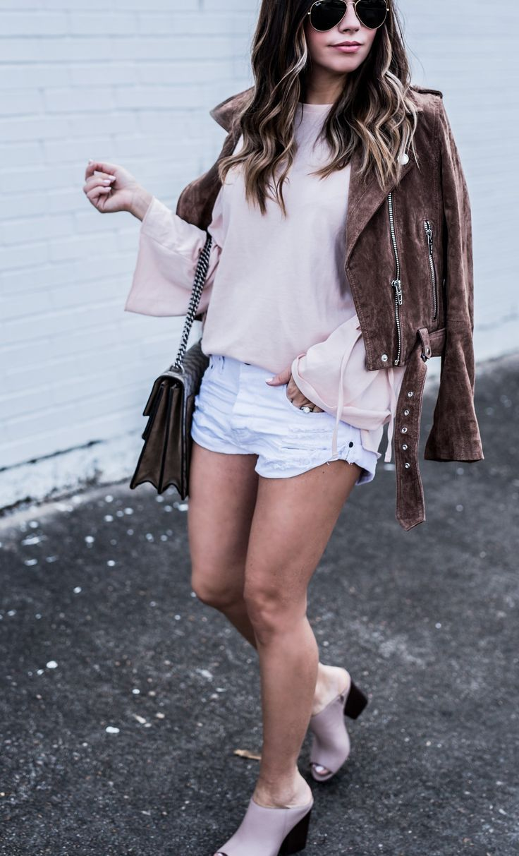 Houston fashion blogger wearing white one teaspoon shorts and a blush bell sleeve top from ASOS, shop the look by clicking! | Fashion blogger style, streetstyle, gucci dionysus bag, outfit ideas for spring 2017