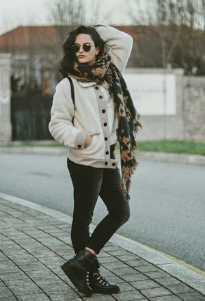 Look by @thesabrynalim with #zara #hm #ankleboots #rock #jeans #lefties #blackboots #blackjeans #winter #scarves #grunge #jackets #college #glasses #rayban #rockstyle #dayaday #confy #blackpants #beigeblazers.