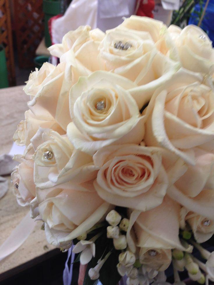 Matrimonio con rose bianche