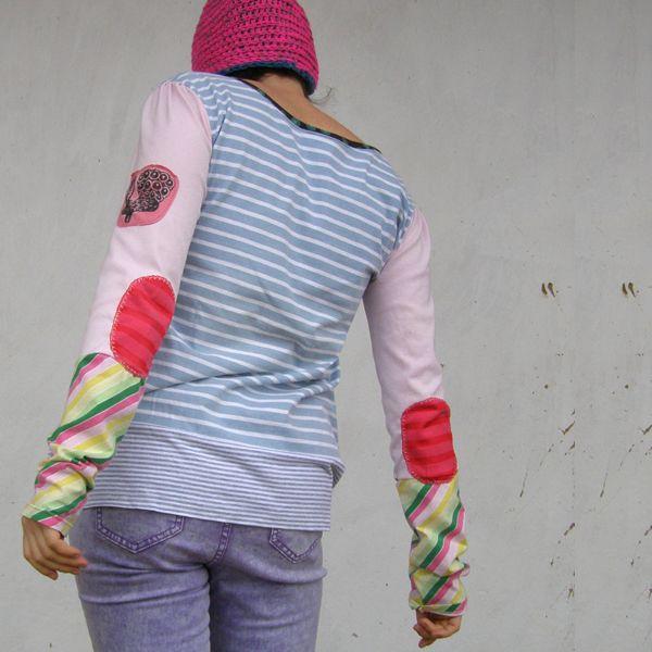 Světlé tričko recy sešité s cibulemi
