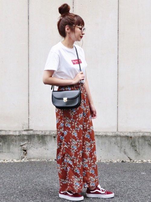 このバッグ合わせやすくていっぱい使ってます✨ 秋の花柄パンツも良きですね 見て頂きありがとうござ