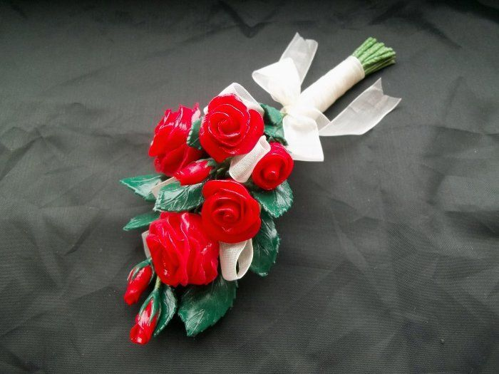 Things to make and do - making Cold Porcelain Roses