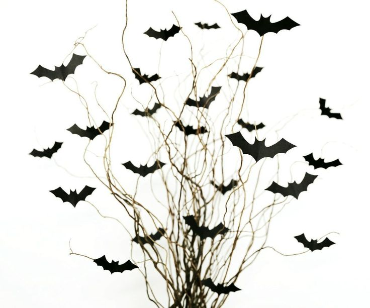 Nothing says spooky like a cloud of bats. So if you're looking for simple Halloween decorations to scare up your house this creepy season, the bat bouquet is for you!