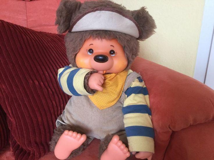 Original Monchhichi Tobby Bear (1978) Ca. 45 cm in cooler Kleidung