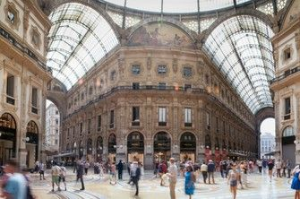 Shopping in Milan Copyright Mike and Annabel Beales #Milan #Milano #Italy #Italia #Travel #Europe #ebdestinations @ebdestinations