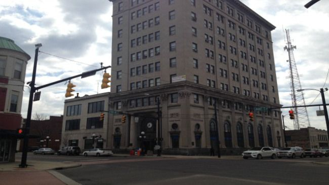 Chase Bank is closing the downtown Warren, Ohio location.