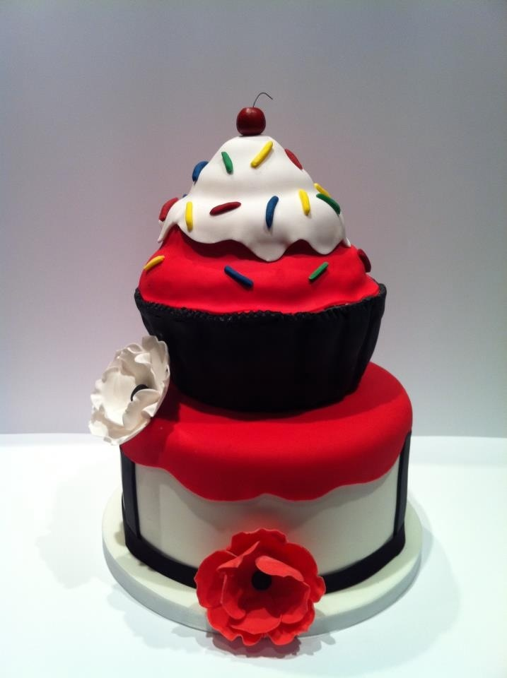 1000 Images About Giant Cupcake Ideas On Pinterest
