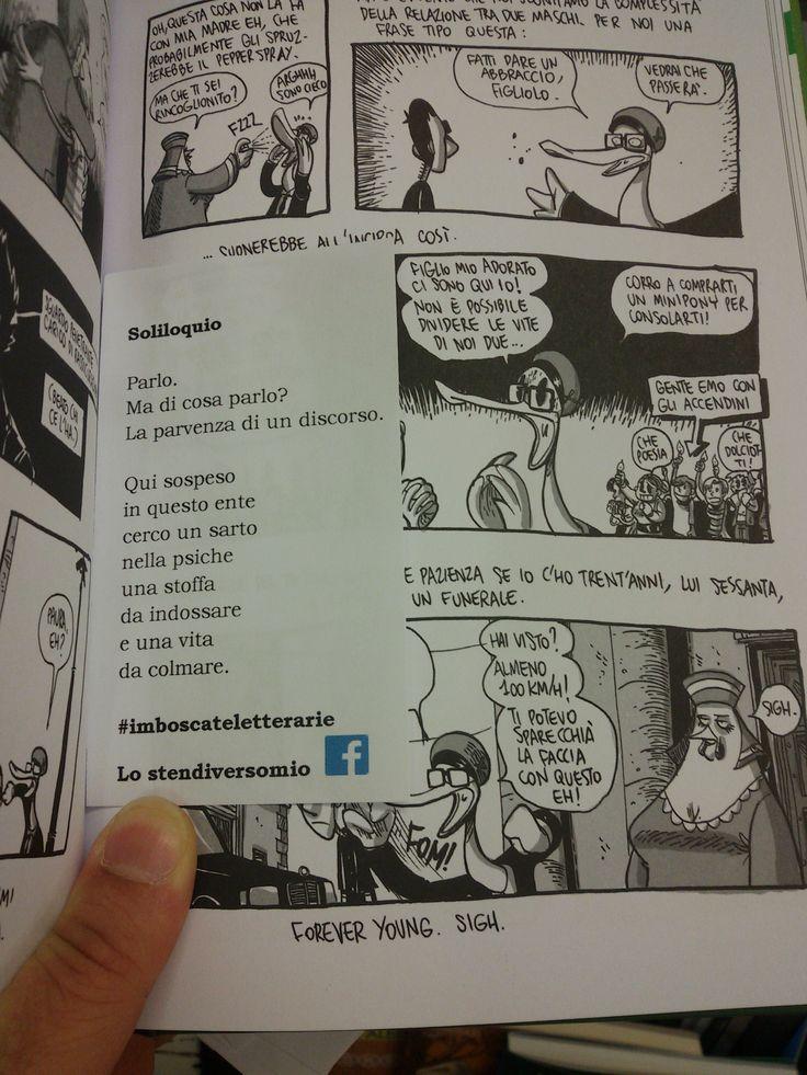 """E nel giovedì sera di questo giugno una quarantina di #imboscateletterarie alla fumetteria Delta Comics in corso del Popolo a Rovigo. Nella foto tra le pagine di """"Dimentica il mio nome"""" di Zerocalcare."""