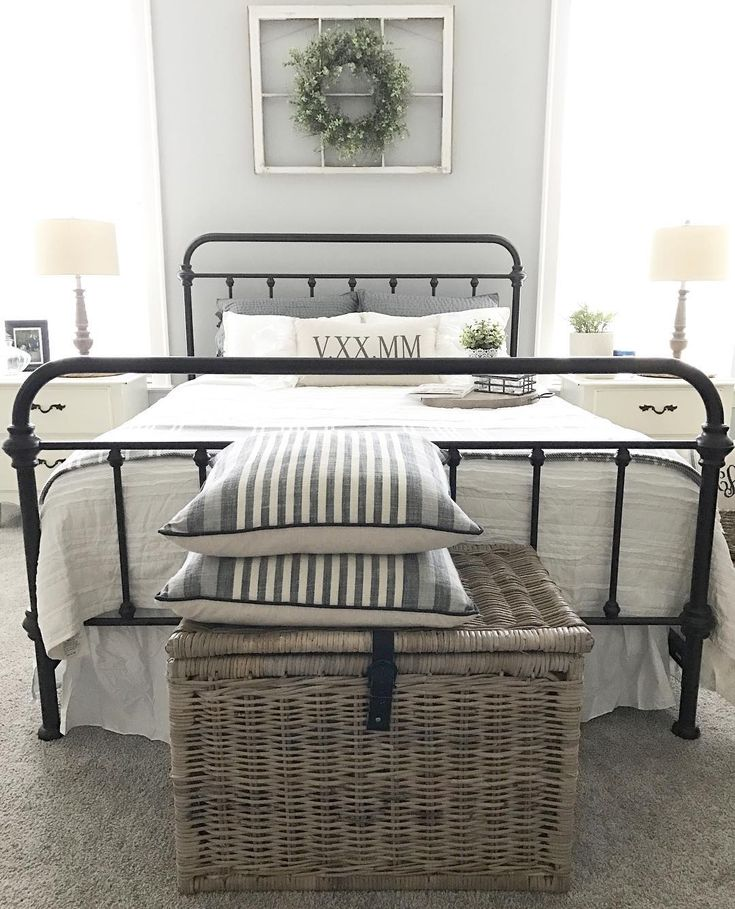 Where is my large basket    Patty s  or. 25  Best Ideas about Large Bedroom on Pinterest   Cozy bedroom