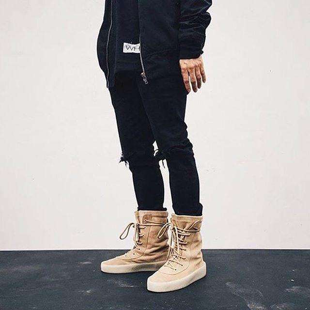 Yeezy Crepe Boot Türkiye'de sadece Shopi go'da satışta ve sınırlı sayıda!  Yeezy Crepe Boots are available online at shopigo.com!  #shopigo #shopigono17 #yeezy #yeezyseason2 #yeezyseason #kanyewest #kanye #crepeboot