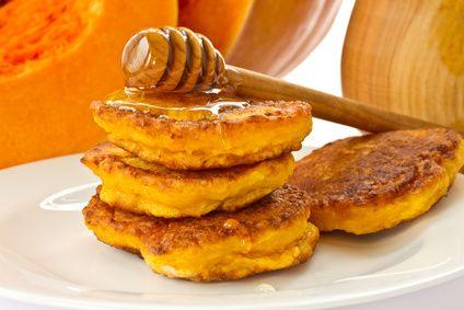 Mini pancakes à la purée de citrouille - une recette de Régalez Bébé