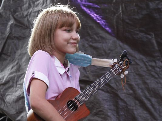 keep calm and ukulele on Grace Vanderwaal   Grace VanderWaal performs for fans at the Ramapo Summer Concert Series ...