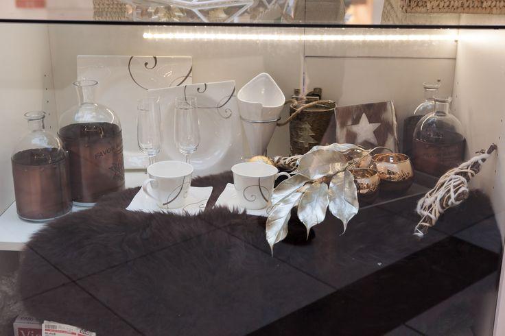 Decoratiuni de iarna pline de stralucire... #kikaromania #decoratiuni #accesorii #argintiu #auriu #Craciun #SarbatoriIarna #lumanare