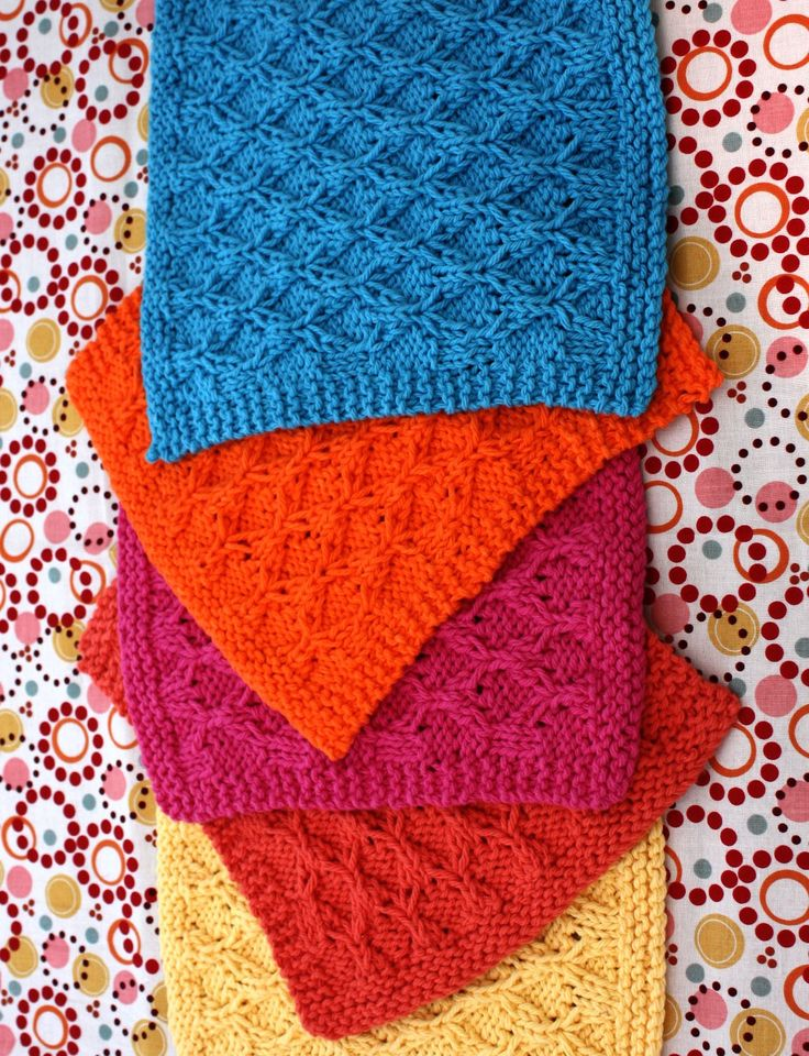 Yarnspirations.com - Lily Honeycomb Check Dishcloth - Patterns | Yarnspirations