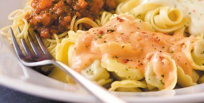 Pour passer un bon Plats, nous vous proposons une recette de Sauce rosée aux crevettes . recette de cuisine, facile et rapide, par Les gourmands mediterraneens