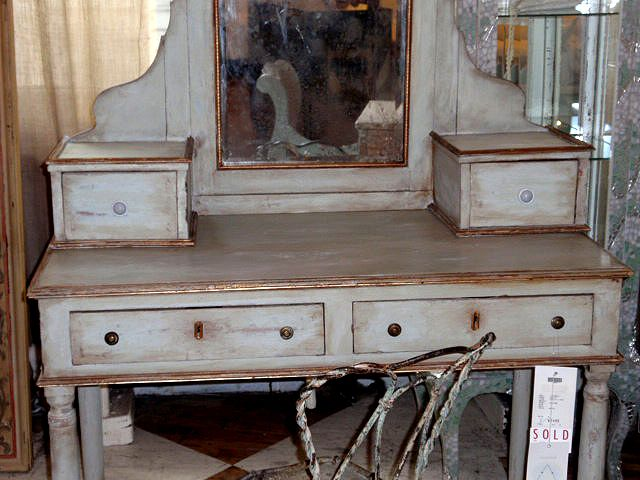 Someday When I Own A House I Want To Refurbish An Antique Vanity