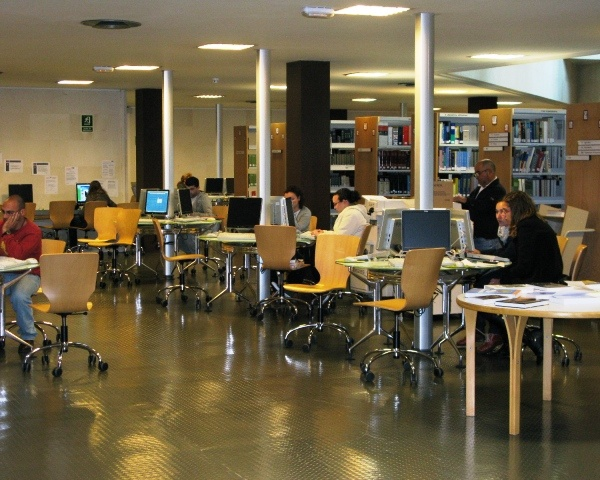 Mejores 25 im genes de bibliotecas y fondos en pinterest for Arquitectura tecnica ull