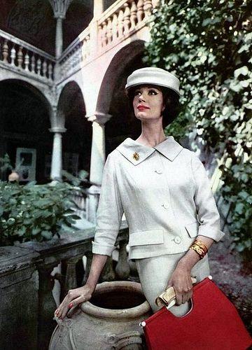 Simone d'Aillencourt in white linen suit #vintagefashion #vintage #fashion