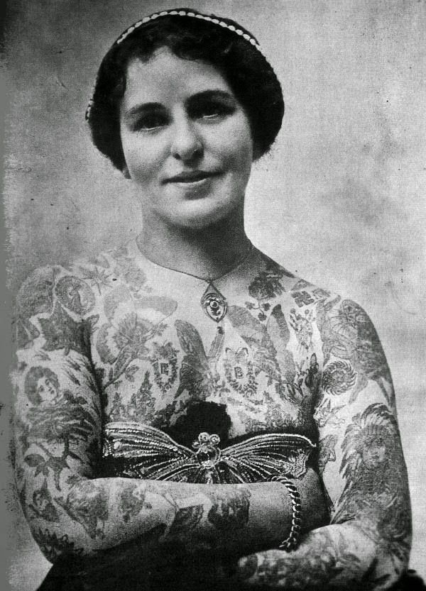 vintage everyday: 20 Amazing Vintage Portraits of Women with Full Body Tattoos
