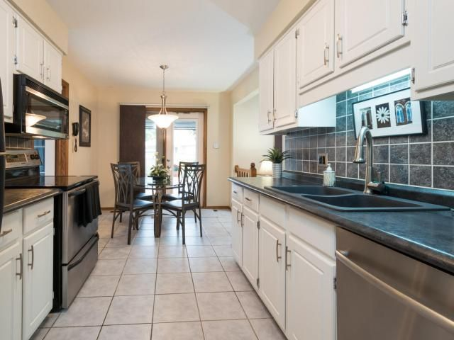 30 Duncan Cr, London -   3 Bedroom, 2.5 Bathroom, Immaculate 2-Storey with Oversized Pool in Huron Heights! -   http://www.JeffBroughton.ca/listing/cms/30-duncan-cr-london/