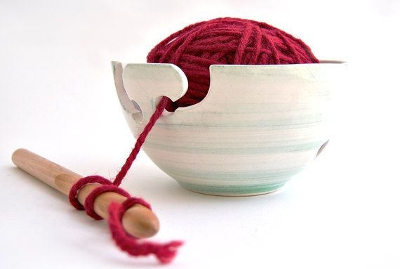 Essential for your knitting or crochet. This yarn bowl prevents your ball from hitting the ground. Simply put the ball inside and pass the wool     Barruntando - Etsy