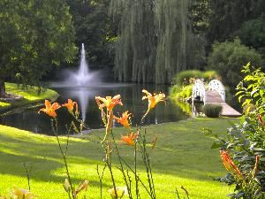 Winchester Place in Greenwood, Indiana has a lovely outdoor space for your wedding.