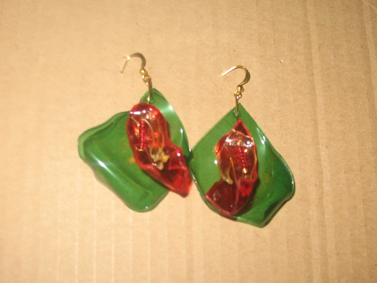 M earrings (about 5 cm length)