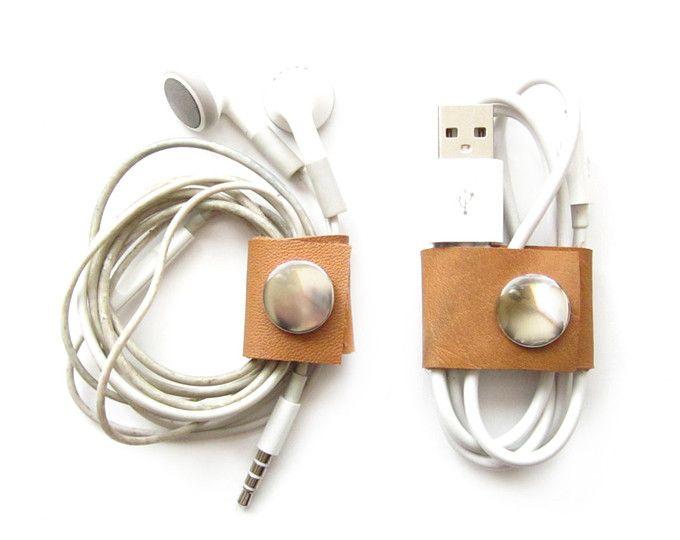 Leder Schnur Keeper   Kopfhörer-Halter   Schnur Inhaber Wrap   Ohrhörer-Organizer   Wickler Kabelmanager   Geschenk für ihn   iPhone iPad Zubehör