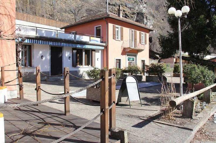 Chiggiogna: Restaurant und Pub mit 4 Wohnungen sowie 3-Zi.-Haus und Bauland an zentraler Lage