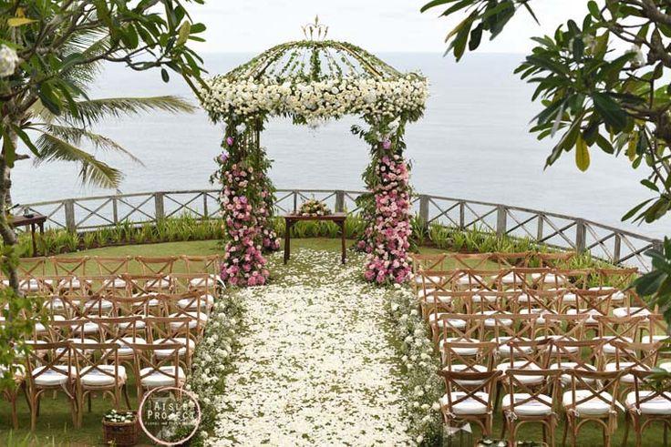 Wedding Ceremony with Indian Ocean Backdrop, Magical Bali Wedding, Luxury Bali Wedding, Khayangan Estate, Aisle Project Bali