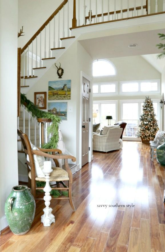 Christmas Foyer 2018 Country Style Homes Home Decor Styles Home