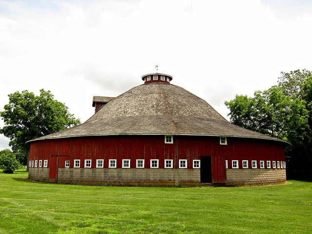 17 best images about round barns on pinterest for Barn house indiana