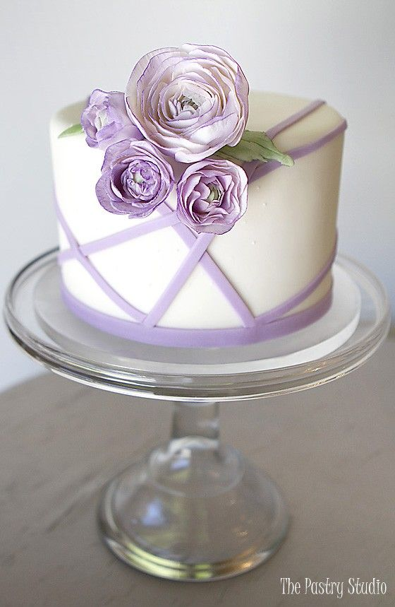 The Pastry Studio offers luxury cakes for special events in Daytona Beach, FL and surrounding areas. Showpiece designs, delicious flavors. We would love to create something amazing for you.