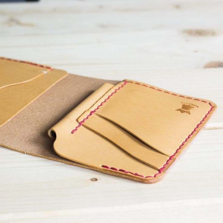 Notebook and wallet at the same time! Keep it simple and functional. #kron #handcrafted #leather #accessories #stationery #wallet #notebook #notes #minimalist #notebookwallet #moleskine #volantxs #handmade