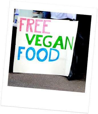 #lähiöhelvetti eli puhtoinen lähiöni: Herttoniemen huudeilla lähiöhelvetti: leppäkerttuja, ruusuja, ilmaista veganiruokaa, ei aseita