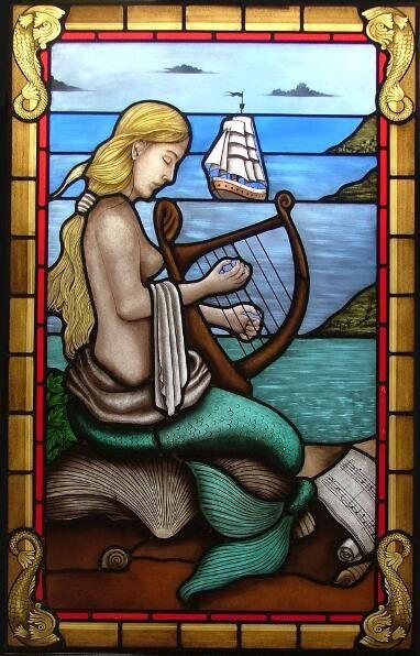 Progettiamo e realizziamo vetrate artistiche classiche, vetro a piombo, raffinata pitturapittura a grisagia, per l'arredamento classico.