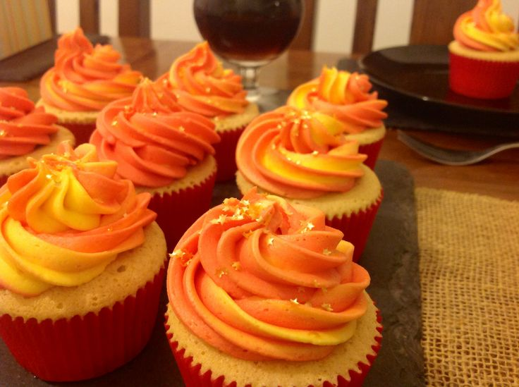 Spanish Themed buttercream cupcakes