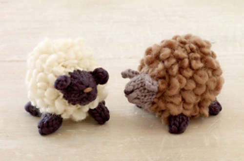 Cute sheep.  Free pattern on Ravelry.