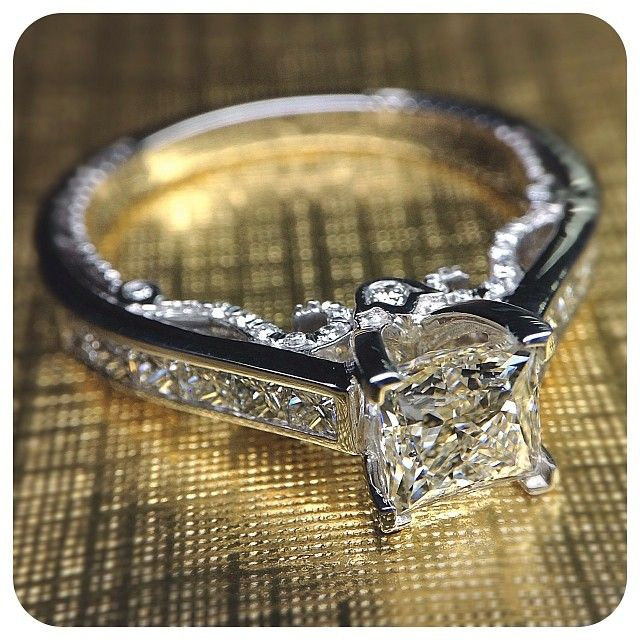 Insignia-7064P, simply irresistible. Engagement rings from @Verragio