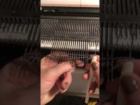 Краевая отделка-чтобы не скручивалась край полотна,линия-кроше,или горизонтальная косичка! - YouTube