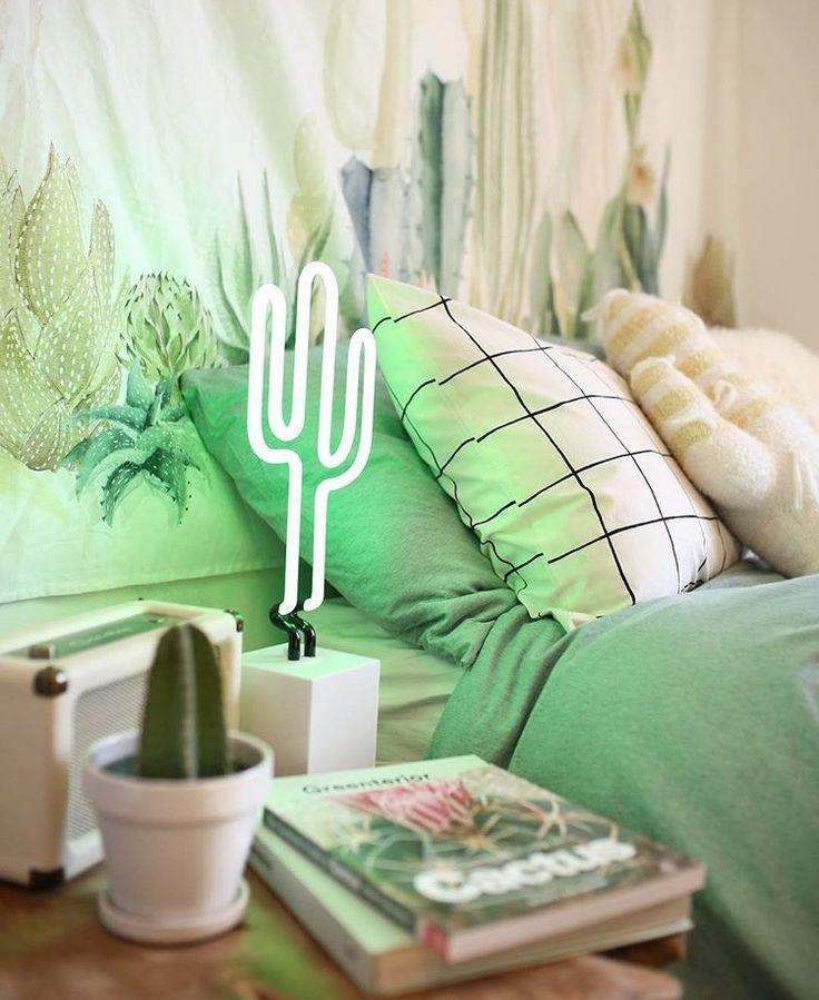 17 Best Ideas About Neon Bedroom On Pinterest: 25+ Best Ideas About Neon Signs Home On Pinterest