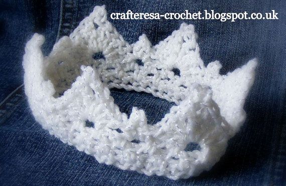 Cute BABY Princess / Prince CROWN photograpy prop gift, baby shower birth gift Crochet Handmade Gorgeous