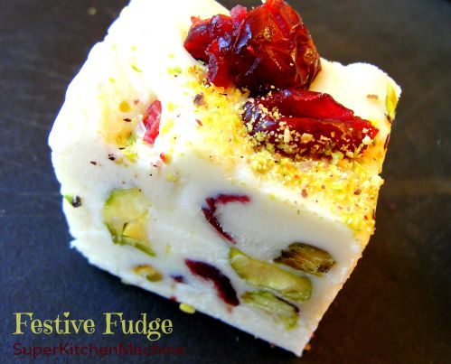 now on the blog at SuperKitchenMachine: Festive Fudge with white chocolate, Baileys liqueur, pistachios and Craisins. Easy to make and easy to eat!